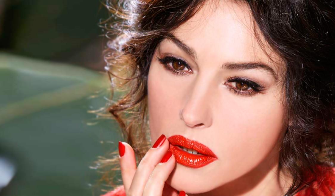 Monica Bellucci labbra rossetto