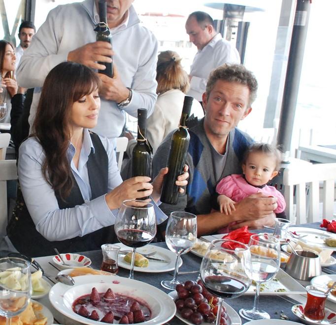 Monica Bellucci con ex marito e figlia