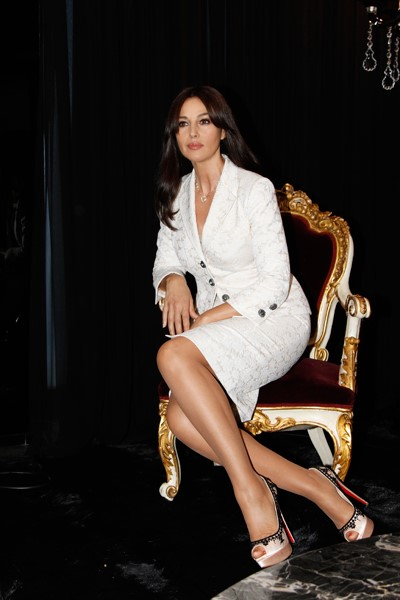 Monica Bellucci look elegante