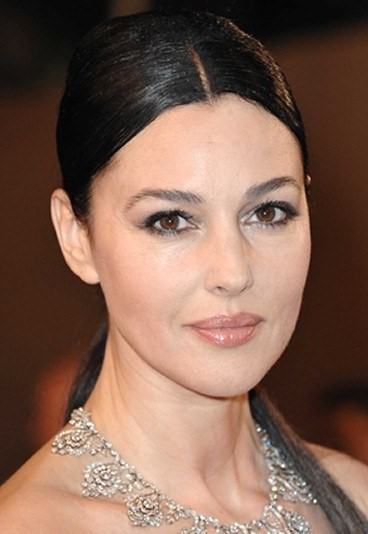 Monica Bellucci look hair
