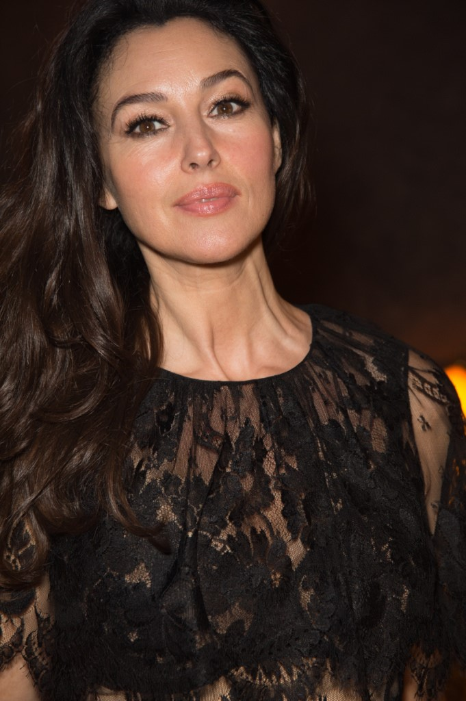 Monica Bellucci look splendente